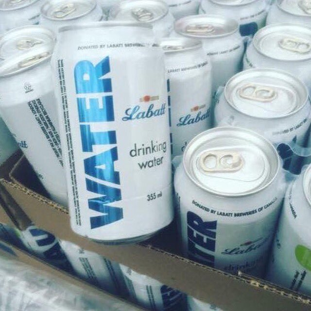 Love to #Labatts for shutting down beer production to get 70k cans of water to the people dealing w/ #FortMacFire https://t.co/aQ4cyPq3BQ