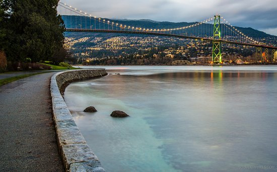 Here's a veryvancouver date idea: Rent a tandem bike & cycle the seawall   @VanGlutton