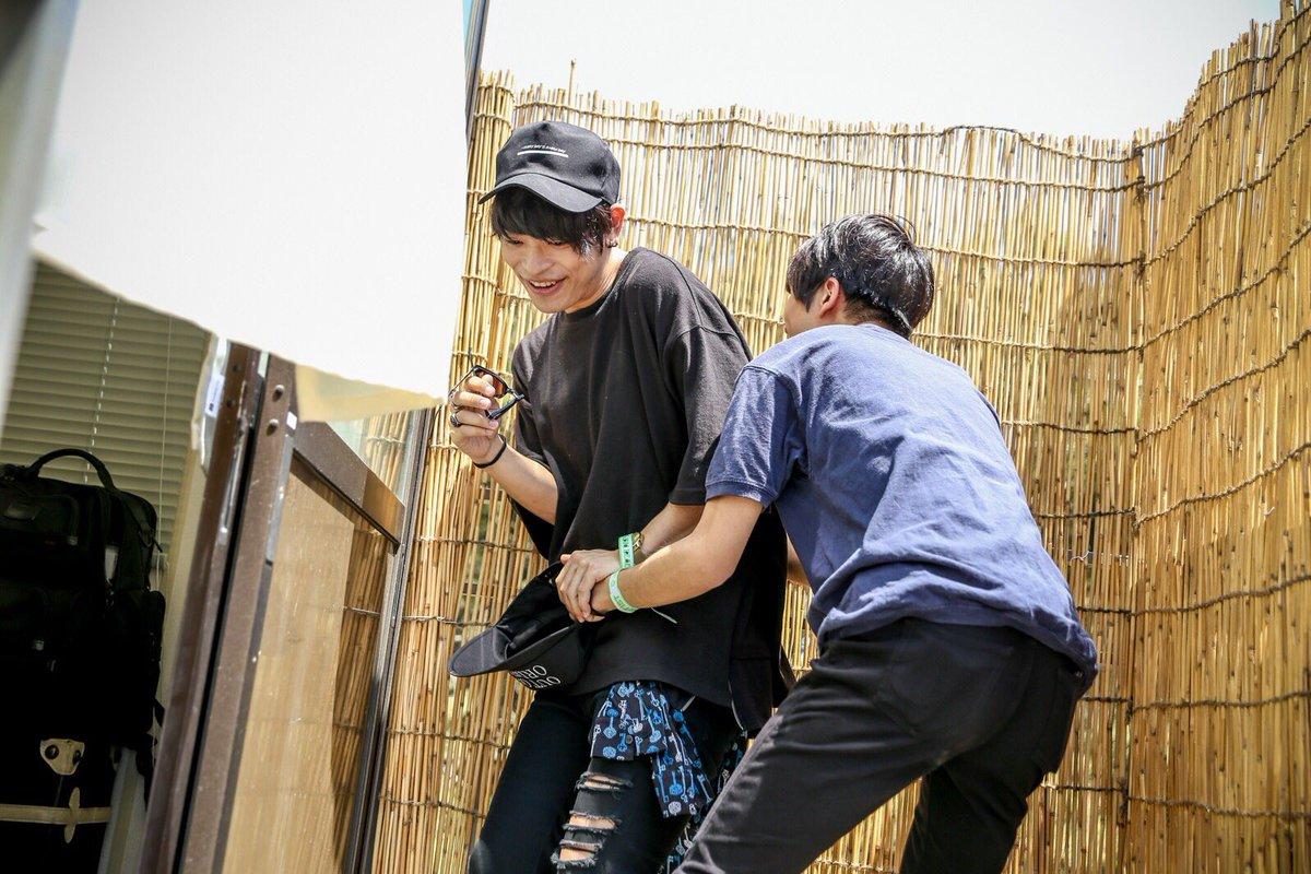 昨日セイヤ君に襲われかけたから、代わりにタナベ〜のあそこ思いっきり握ったった👍👍  #JAPANJAM楽しかった