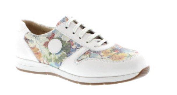 e8bc5bf75423  DaBella Bridget  WiderFit Floral Leather  Trainer Style Shoe   springpic.twitter.com T1v7qWrQKE