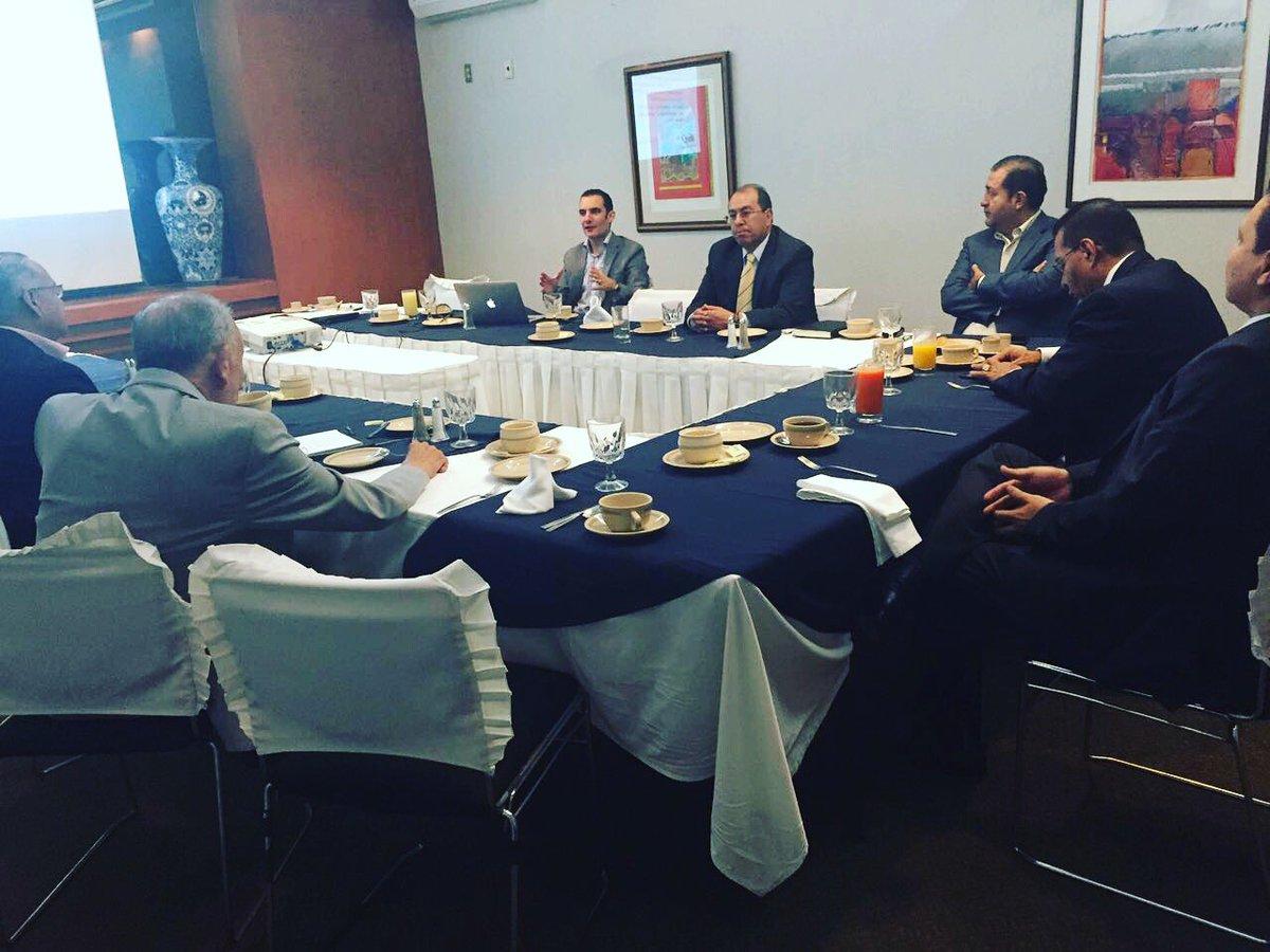 """CTL con el tema: """"Evaluación del Consejo de Administración""""#EventosIMEF @imef_gdl @bvillanuevar @gabrielatosoto https://t.co/U7AzpnTnmF"""