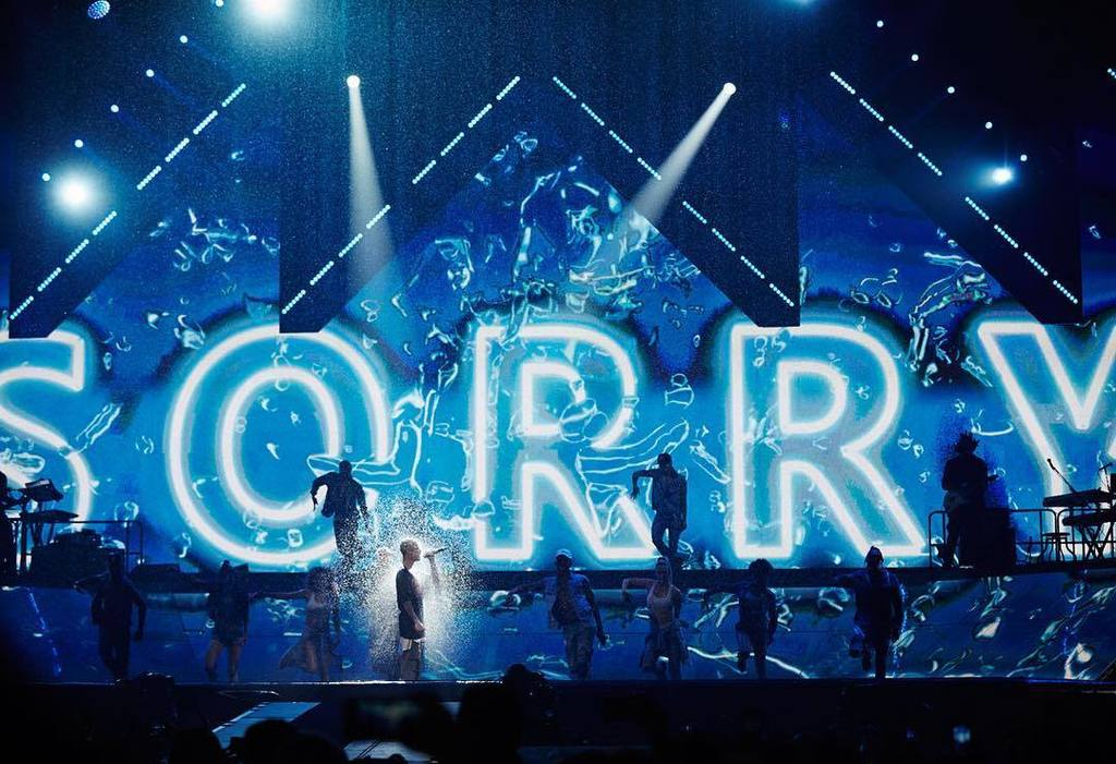 On stage showers for @justinbieber #SorryNotSorry #CreateYourMoments #purposetour https://t.co/y7RegugUyl https://t.co/BQvmZU500T