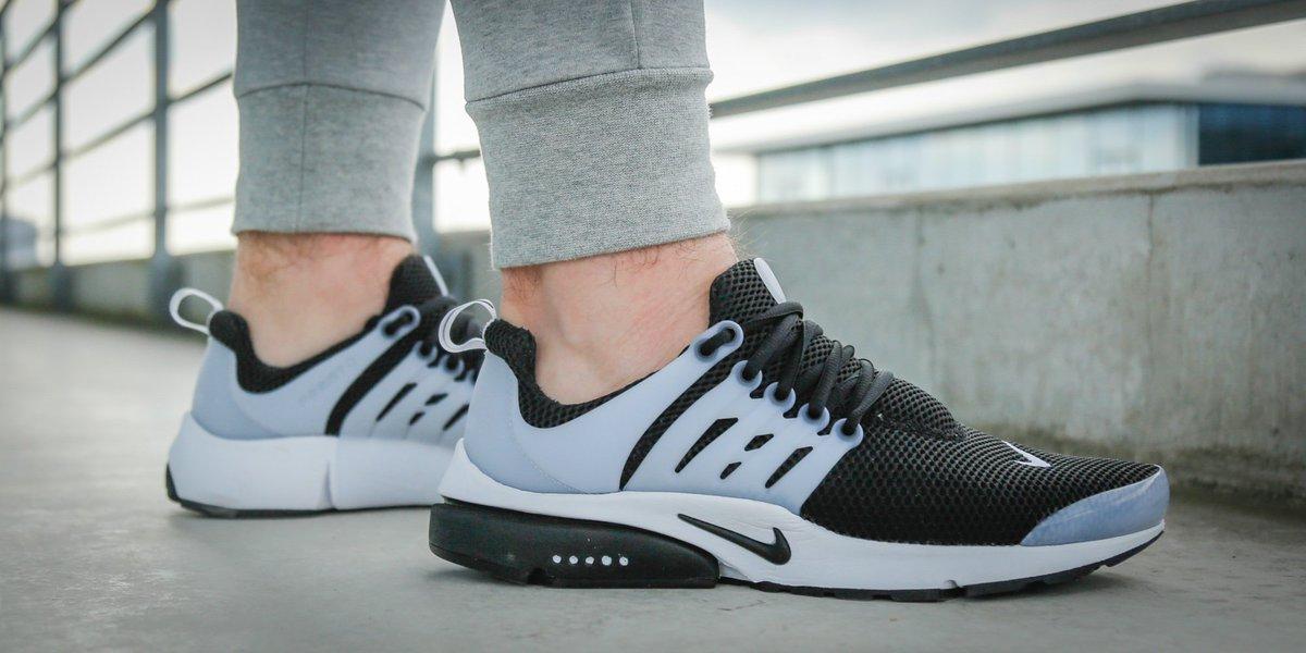 Nike Air Presto Essential On Feet