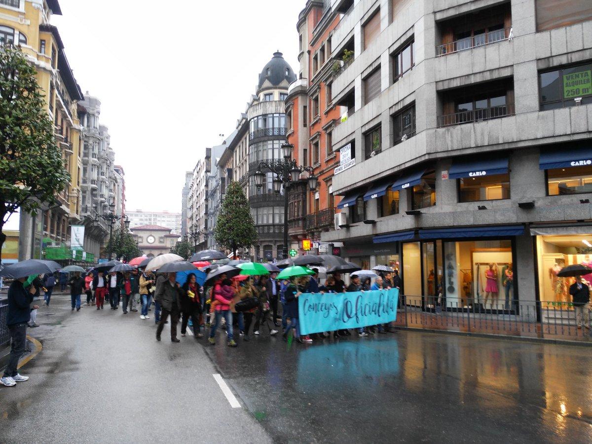 RT @titodixebra: Moyandonos pola llingua asturiana #Oficialida https://t.co/kqsgTU3CCt
