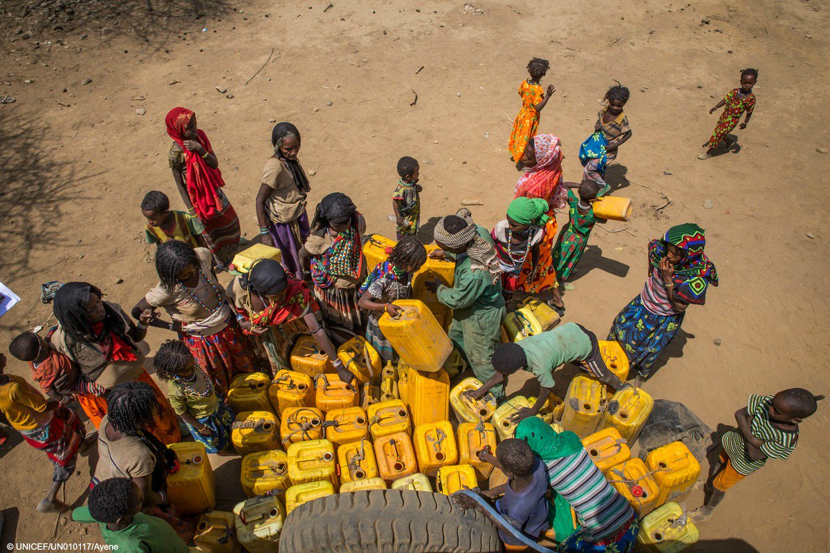Families in #Ethiopia wait to get clean water. The drought is threatening children's lives & futures. #ElNiño