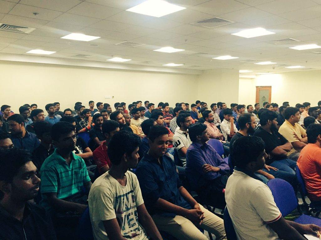 We have a full house here ! #GoogleIO2016 ! Via @ImKarthikK @sureshsambandam !! https://t.co/fReIzRkQRX