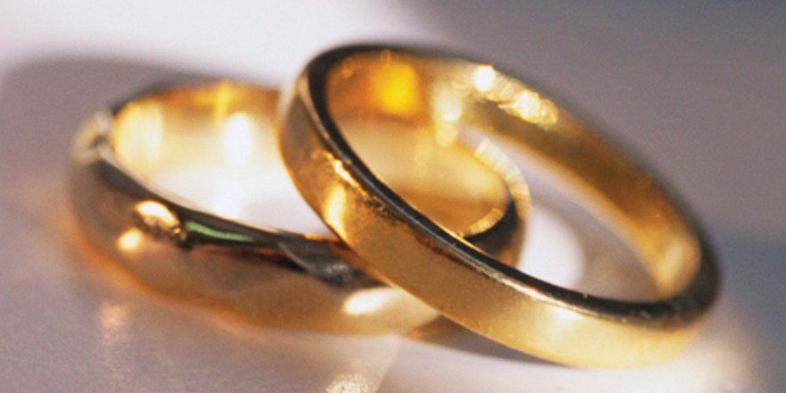 City staff performed 212 marriage ceremonies in #Guelph2015. 65 held outside of City Hall. https://t.co/WGShW9E1CD https://t.co/bBwb840iZo