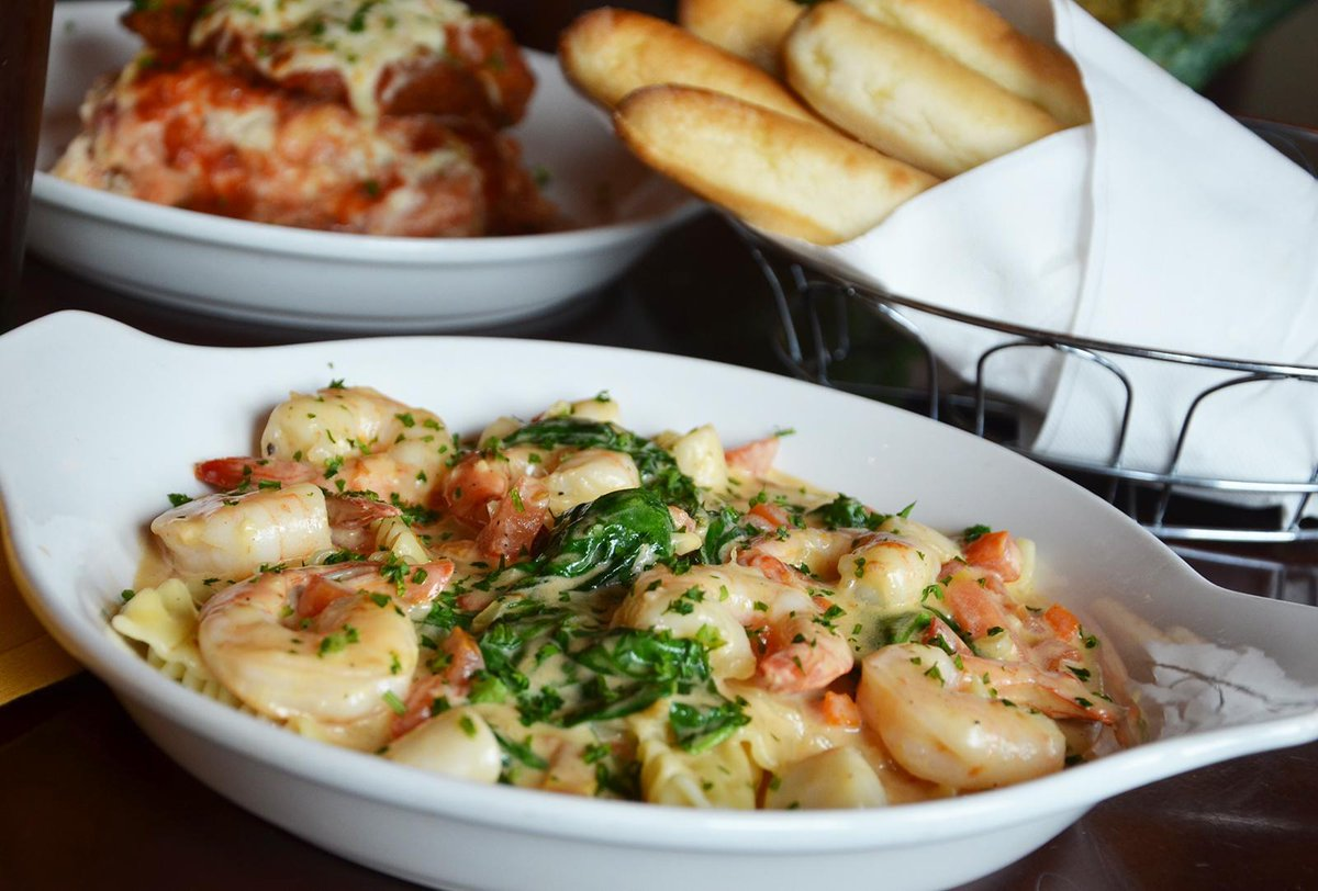 Olive Garden On Twitter Shrimp Scallops And Alfredo Our Seafood Lasagna Saut Can 39 T Help It