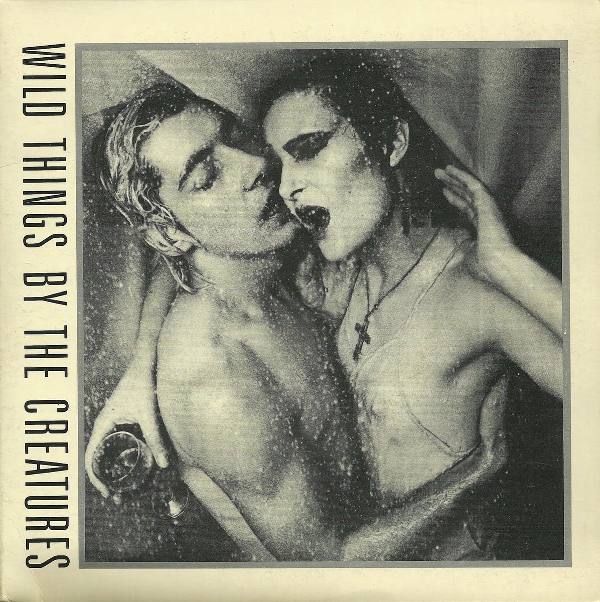 The photo on the cover of this The Creatures EP was shot in a bathroom in the Newcastle Holiday Inn. #TOTP https://t.co/MZ1qdgimud