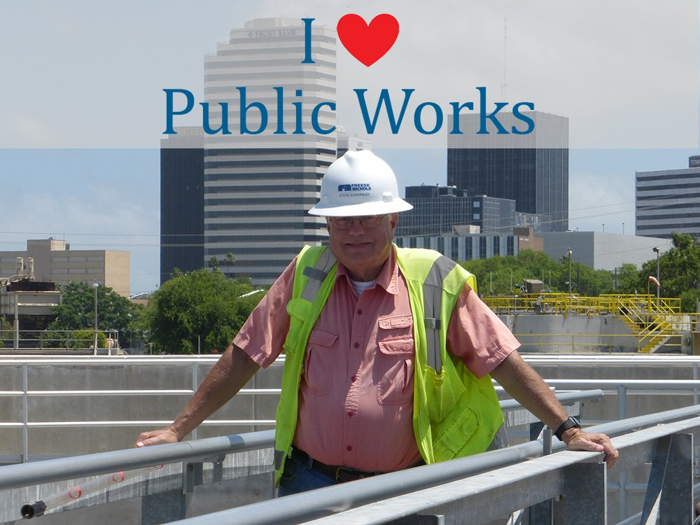 Steve shouts his thanks for public works from the top of the @cityofcc Broadway WWTP! @PublicWorksCC #NPWW https://t.co/i3IVDNMa2V