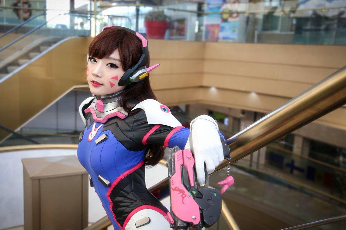 "Sleepy on Twitter: ""Aza Miyuko needs to play D.Va in a live action Overwatch movie https://t.co/hCxltdvX4U"""