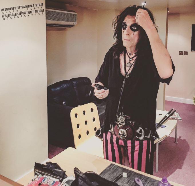 Alice Cooper, cantante rock principe delle tenebre