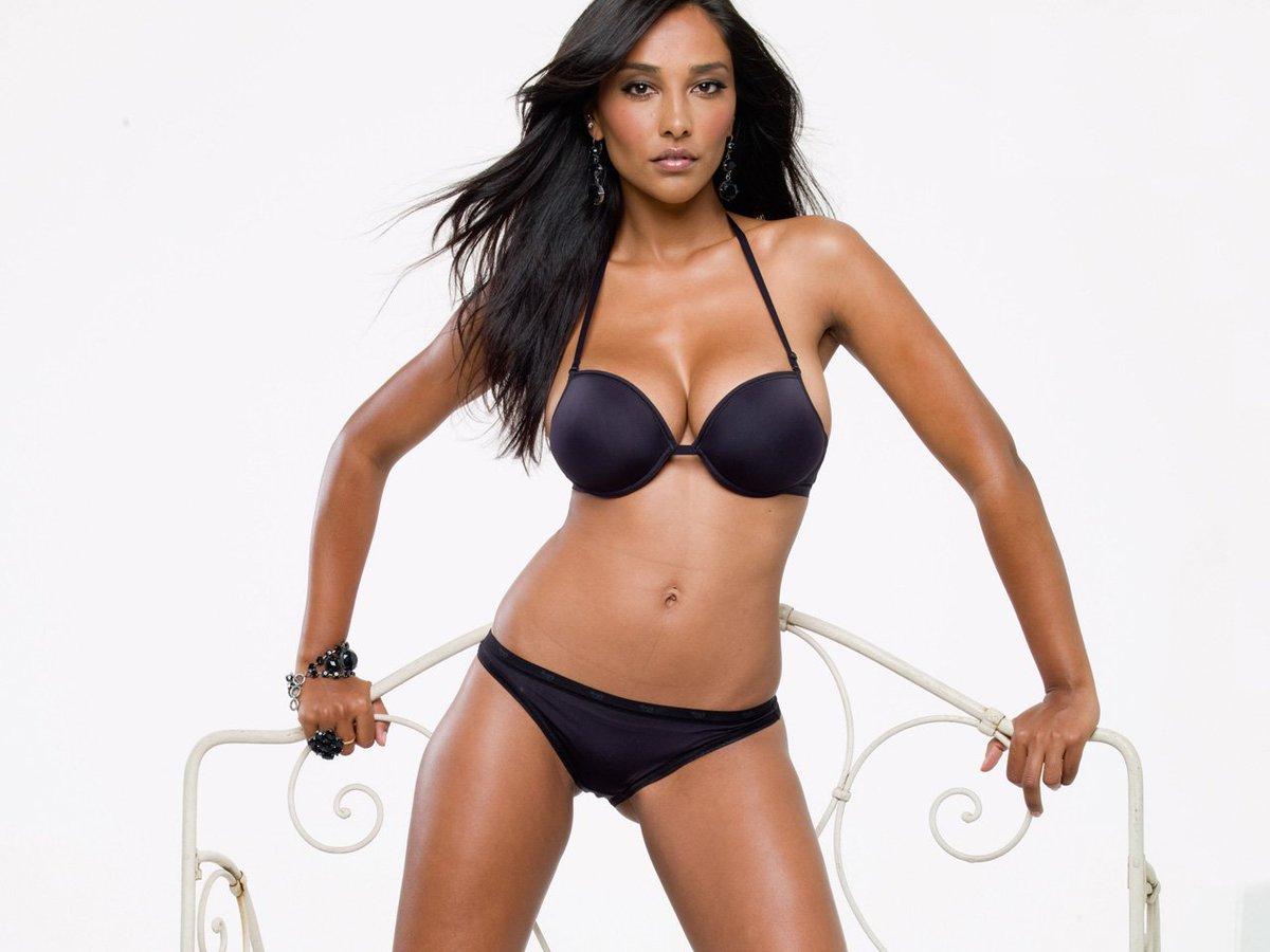 Juliana Moreira Sexy