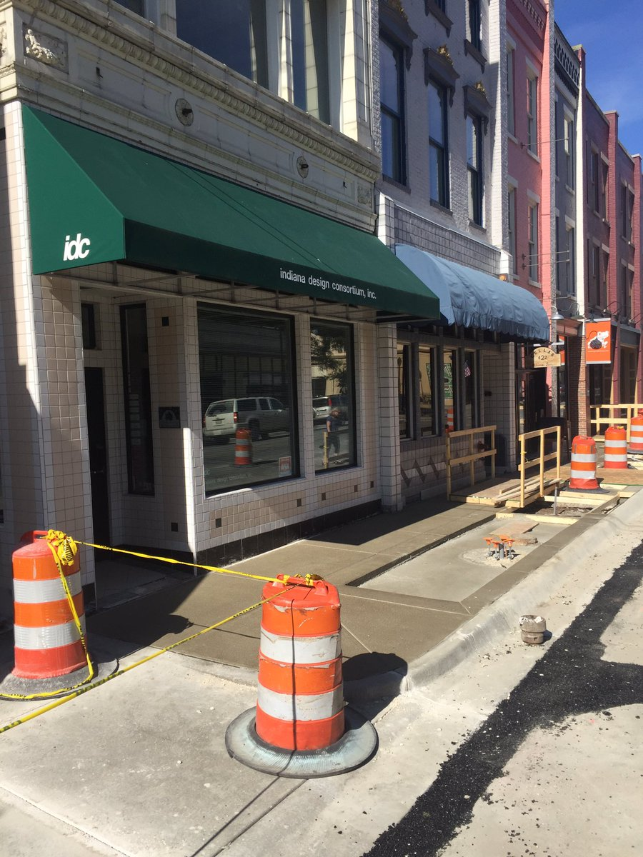 Got sidewalk… Going to get a lamppost and the tree! #upgrade #streetscape   @City_Lafayette https://t.co/uHJ7EGwv0Z