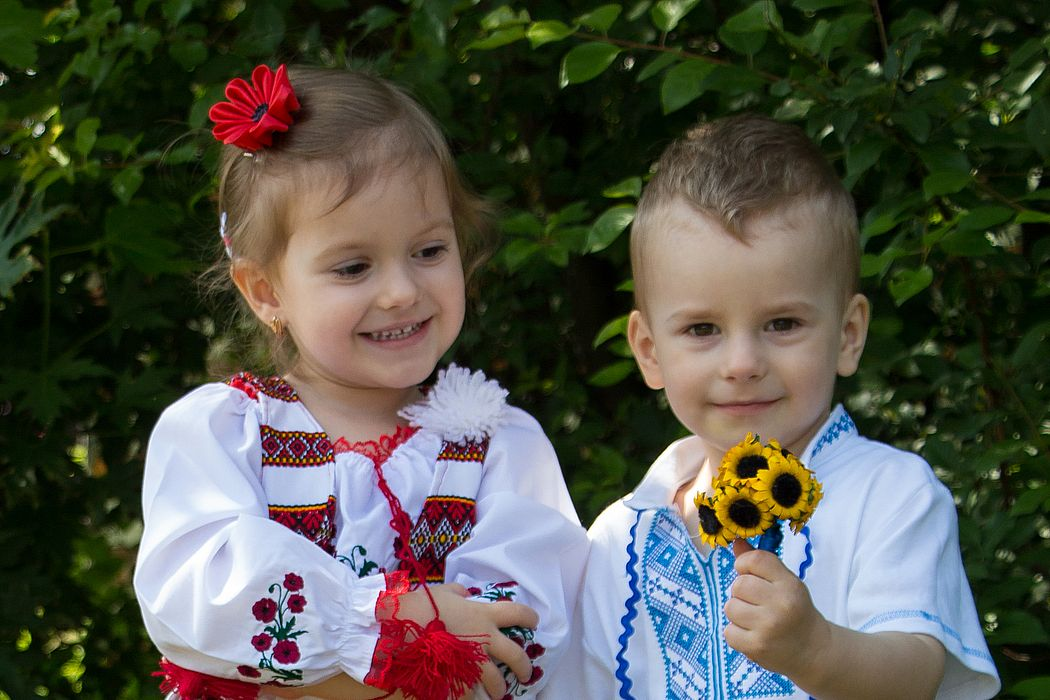Парад вышиванок с украинскими, польскими и крымскотатарскими флагами состоялся в центре Варшавы - Цензор.НЕТ 6224