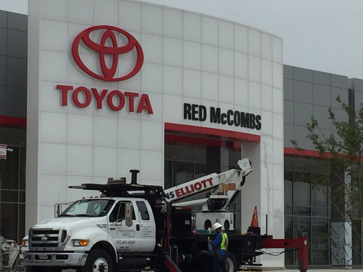 red mccombs toyota service
