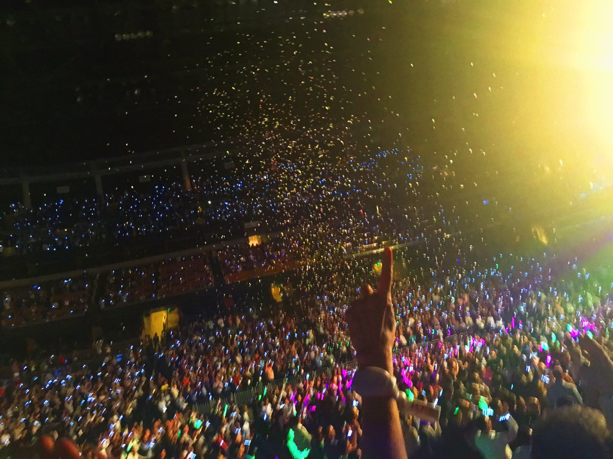 This picture says it all. Thank you @coldplay for an incredible night. Bye bye #SAPPHIRENOW 2016 ✌