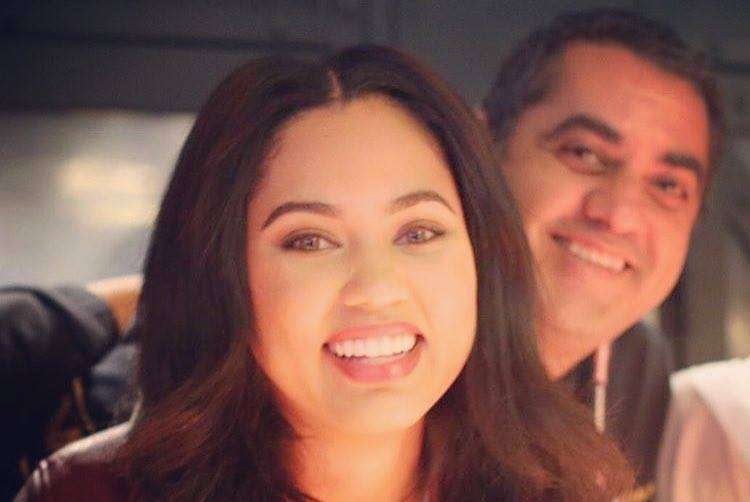 @MichaelMinaSF and Steph Curry's Wife, @AyeshaCurry, to Open Pop-Up Restaurant https://t.co/DtsjodcYwY https://t.co/ABq8BUZamX