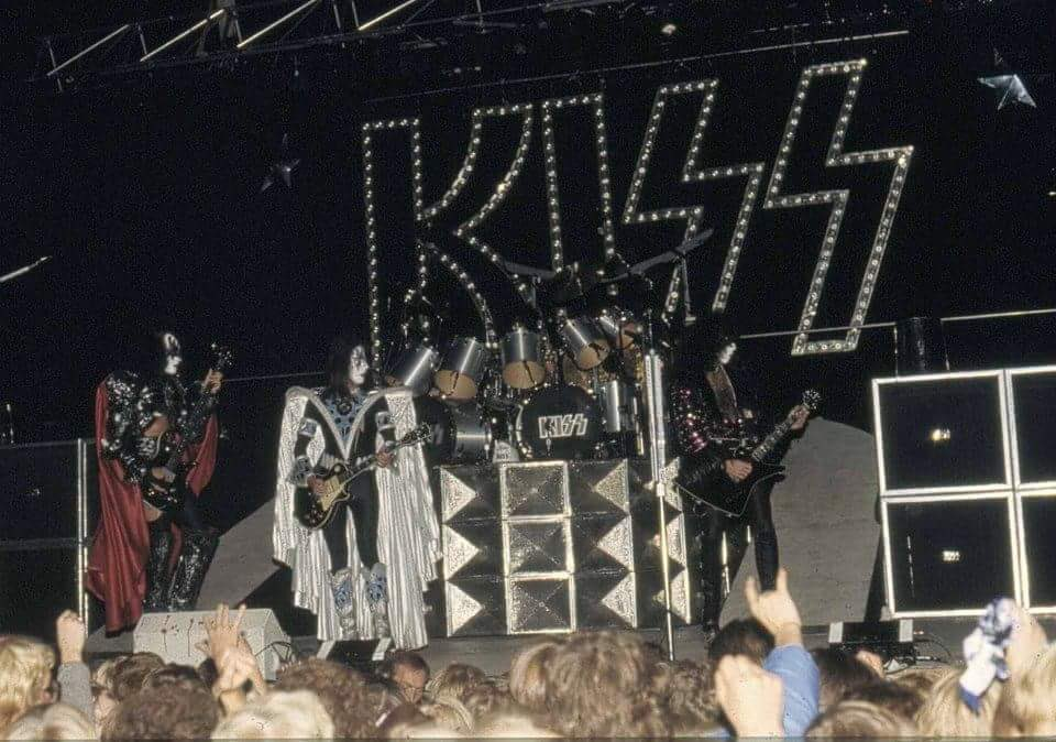 Kiss Bingley Hall 113