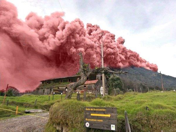 Resumen de #NoticiasAM de hoy… #CostaRica #andreyamador #Turrialba #cenizacr #ticorosa https://t.co/CgFbqAZkRi