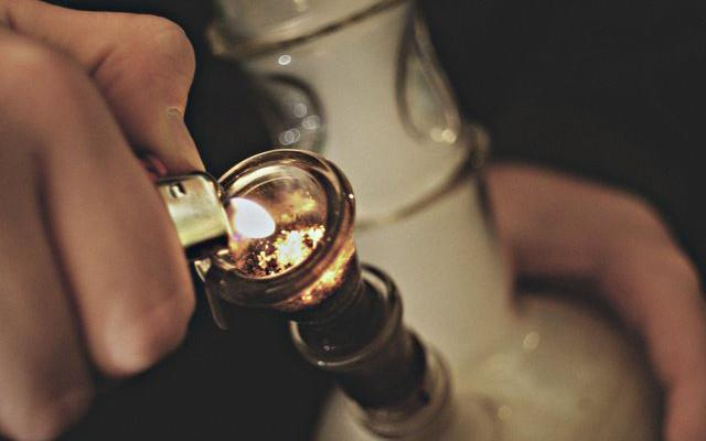 Quiz: Which Type of Bong Should You Use To Get High?