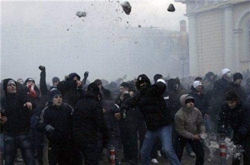 Массовую драку в Ростове сняли на видео