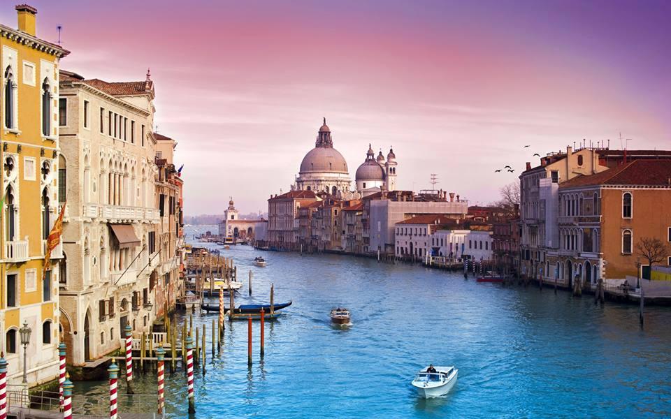Sul Canal Grande a Venezia è in vendita Palazzo Donà Sangiantoffetti