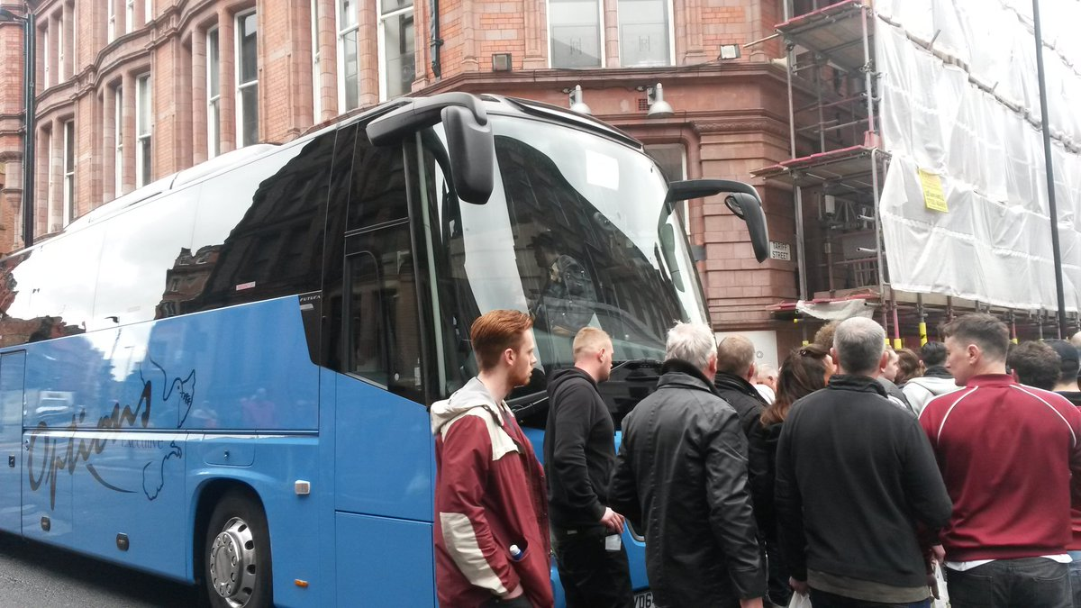 Some United fans travelling to Wembley from Mcr City Centre left unimpressed by the colour of the bus #FACupFinal https://t.co/RhcnaEM85s