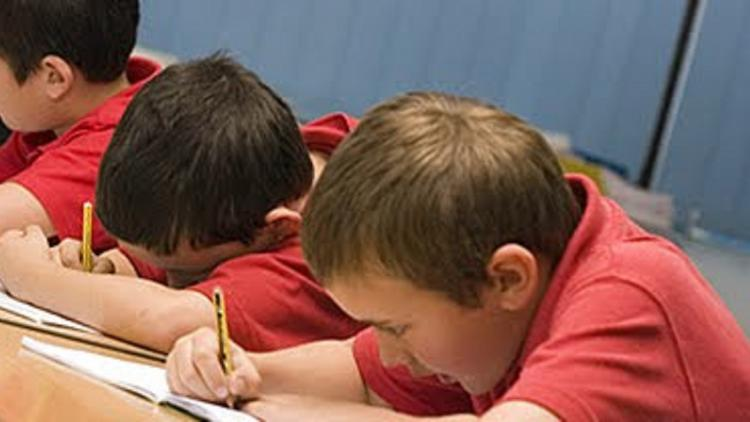 Children 'left sobbing' after 'incredibly difficult' Sats reading test #SATsweek https://t.co/NiLlm8qmh9 https://t.co/uLCzll79Xg