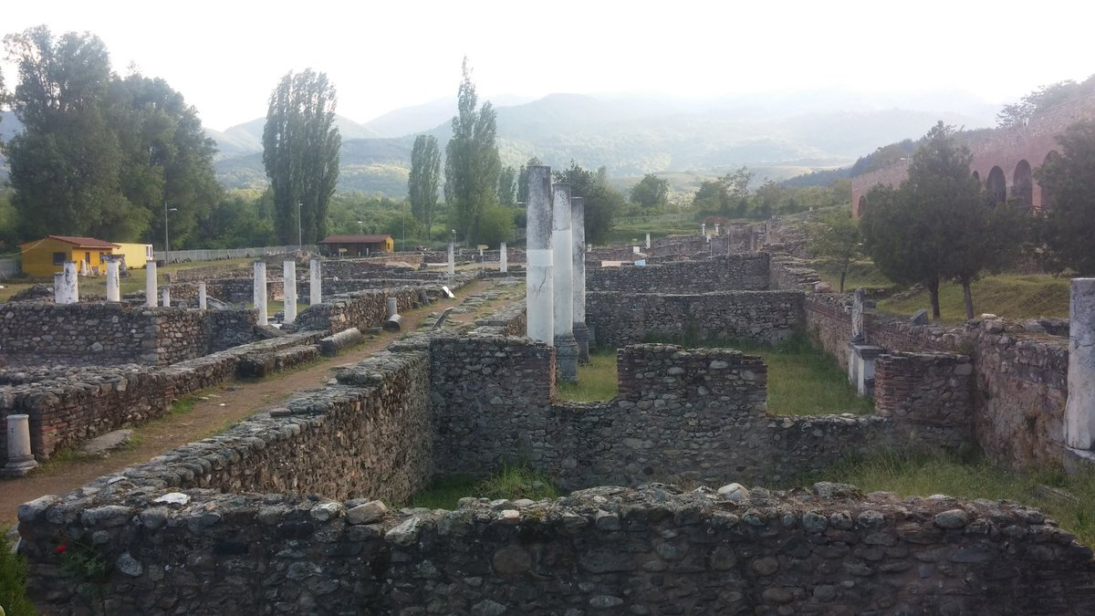 La visite à Bitola commence par la partie la plus ancienne de la ville : les ruines d'Heraclea. https://t.co/fZ69Tvv8Xv