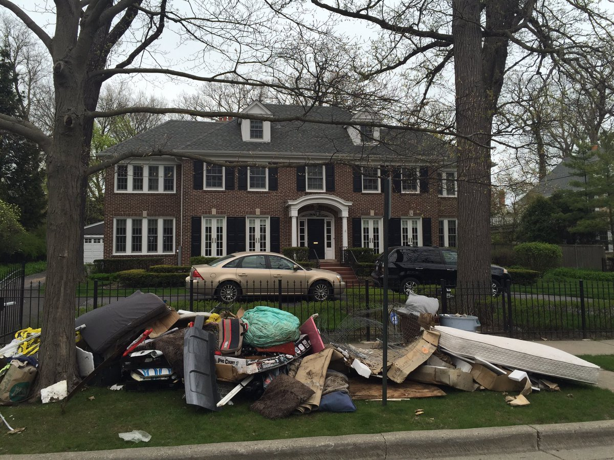 Frannie On Twitter In Today S Disappointing News The Home Alone House Is Now A Garbage Dump
