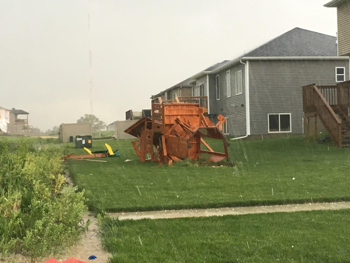 Two Killed as Violent Storms, Tornadoes Sweep Across Plains