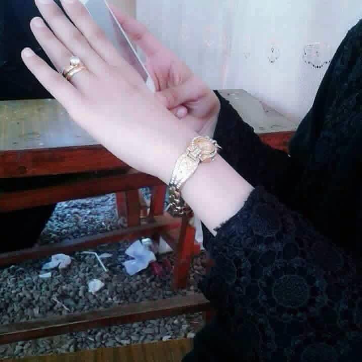 صور ايد بنت ارق يد بنت احساس ناعم 5