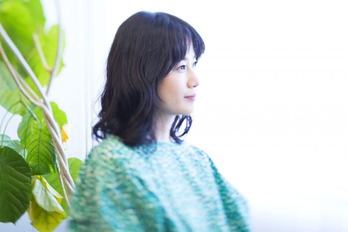 原田知世さんのインタビュー公開。40代後半の女性としての等身大の「いま」、そして「これから」についてもお聞きしました。同世代、そしてそれに続く女性たちに読んでいただけるとうれしいなー。https://t.co/lM7KQBfsxl https://t.co/gXZ34upYf9