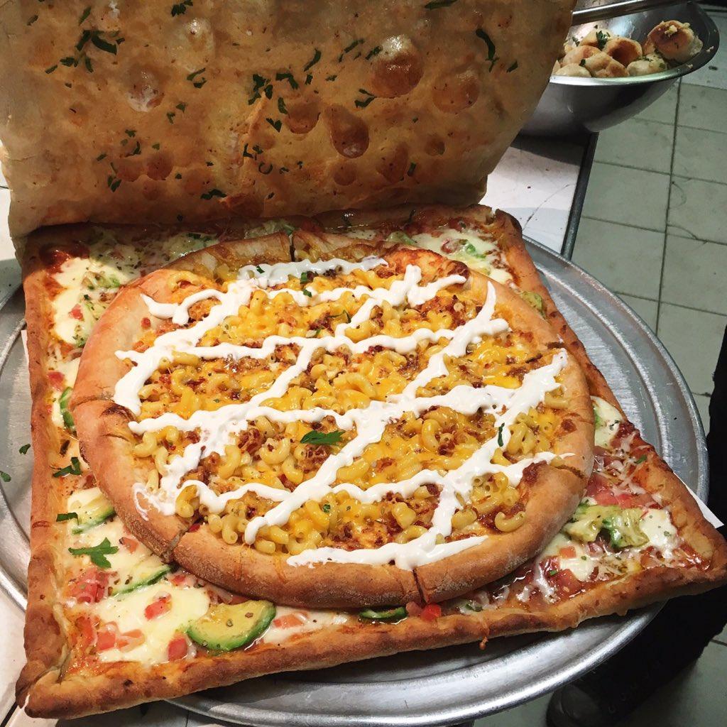 Vinnie's Pizzeria on T...