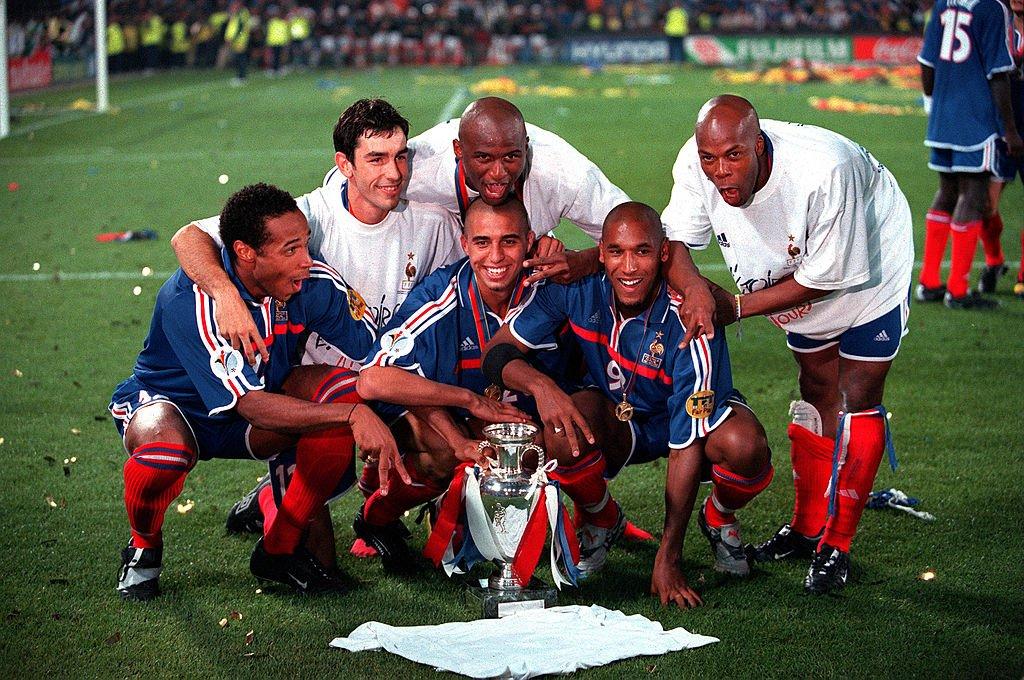Че по футболу финал 2000 смотреть