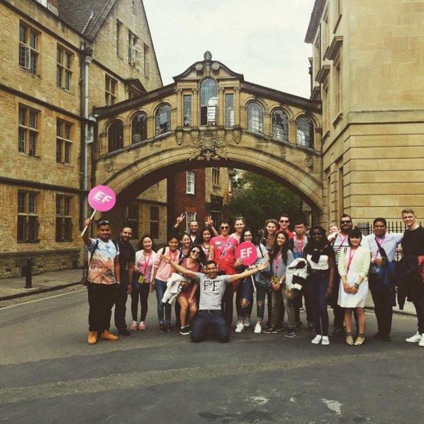 Bienvenue aux nouveaux #étudiants cette semaine à @Oxford ! @efoxford #oxford #angleterre https://t.co/G0YNoSj7GY https://t.co/I7Qjka0bBb