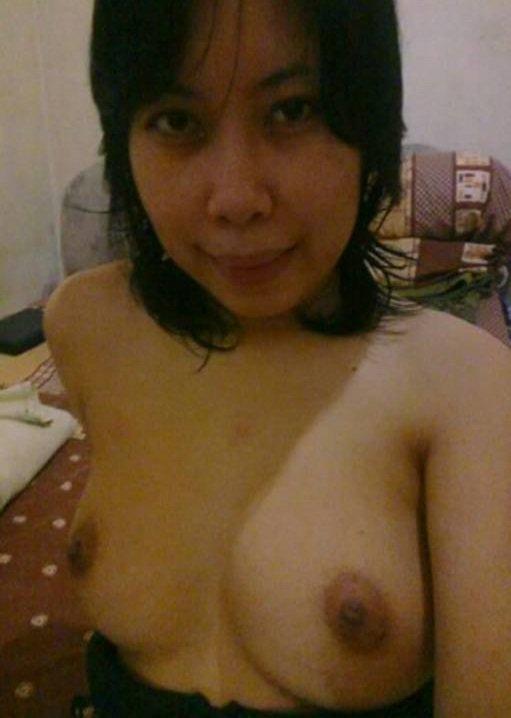 Nude Selfie 5231