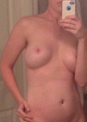 Nude Selfie 5222