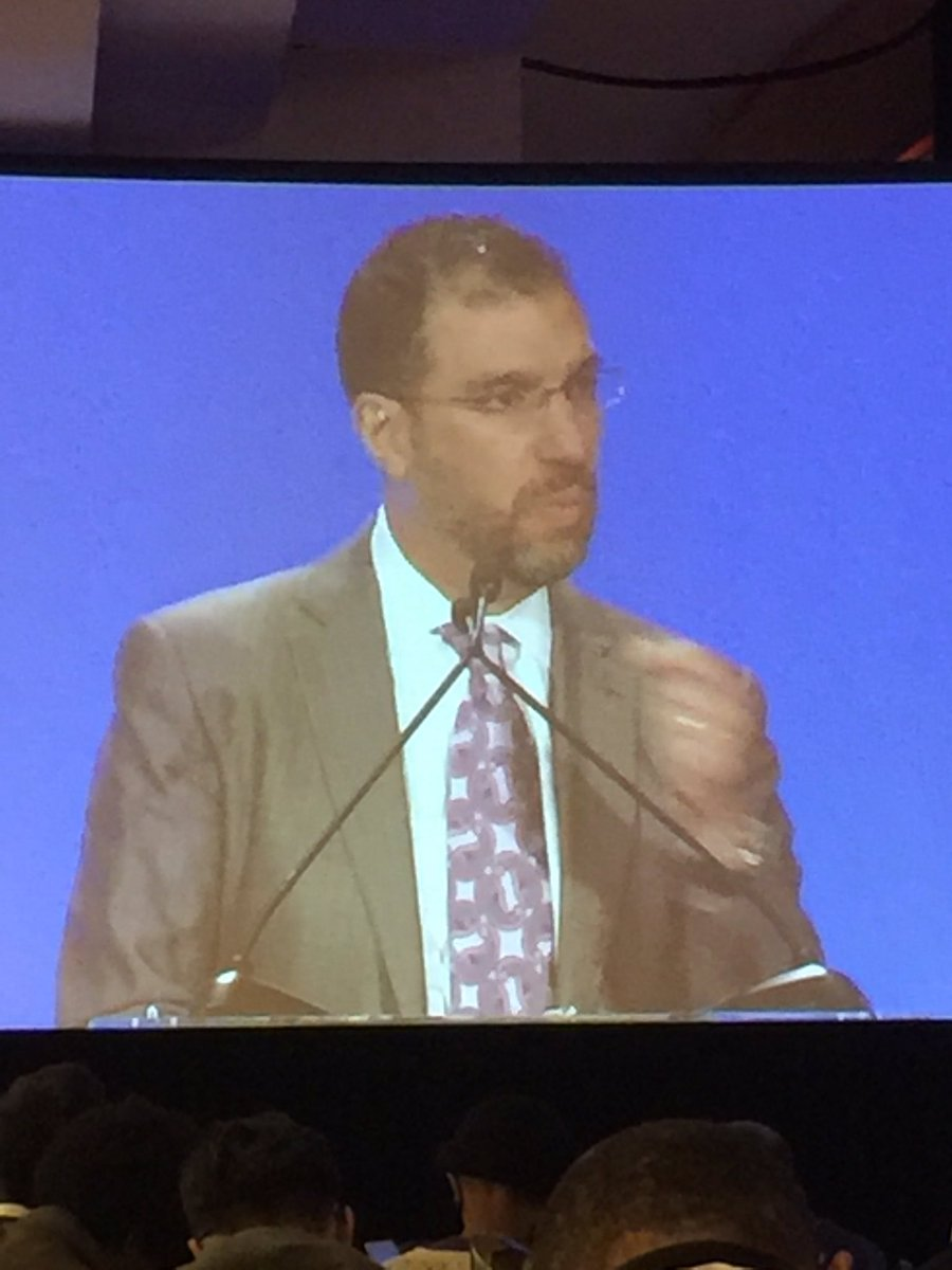 Physician Data Paradox: overwhelmed by data entry, yet under-informed, says @ASlavitt #hdpalooza https://t.co/hERIGDsisI
