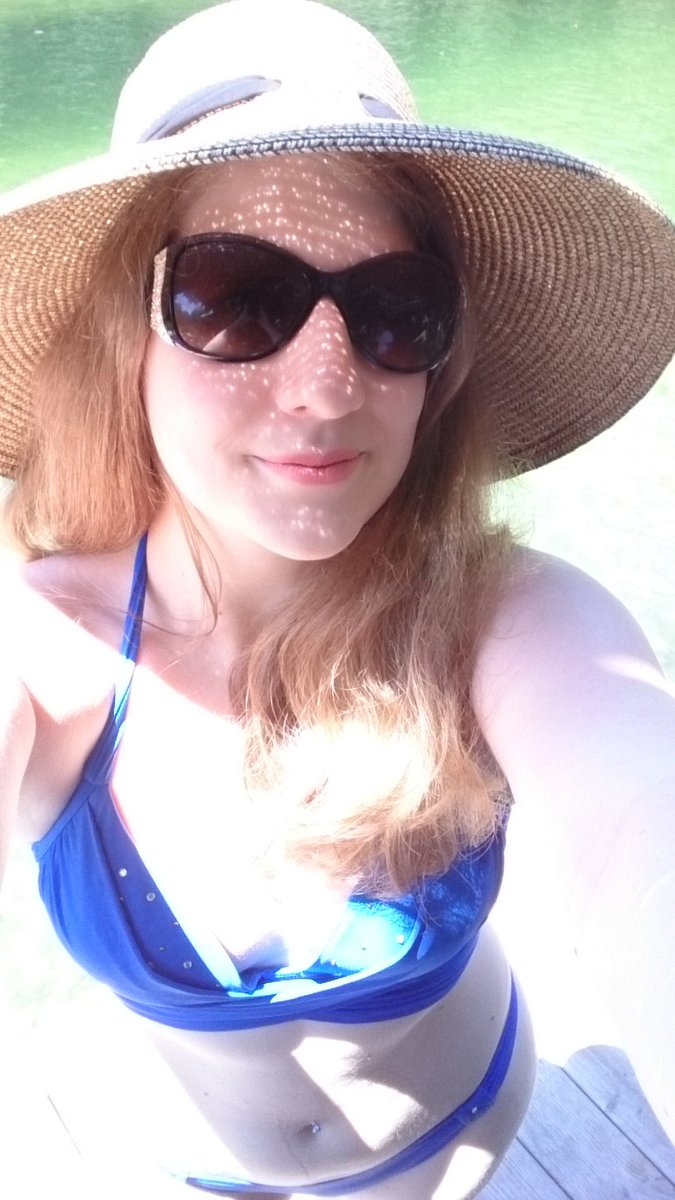 RT @SalenaKent: Missing Florida already!: https://lookedon.com/sandrasilvers/photos/54852142/rt-salenakent-missing-florida-already-3-x.html