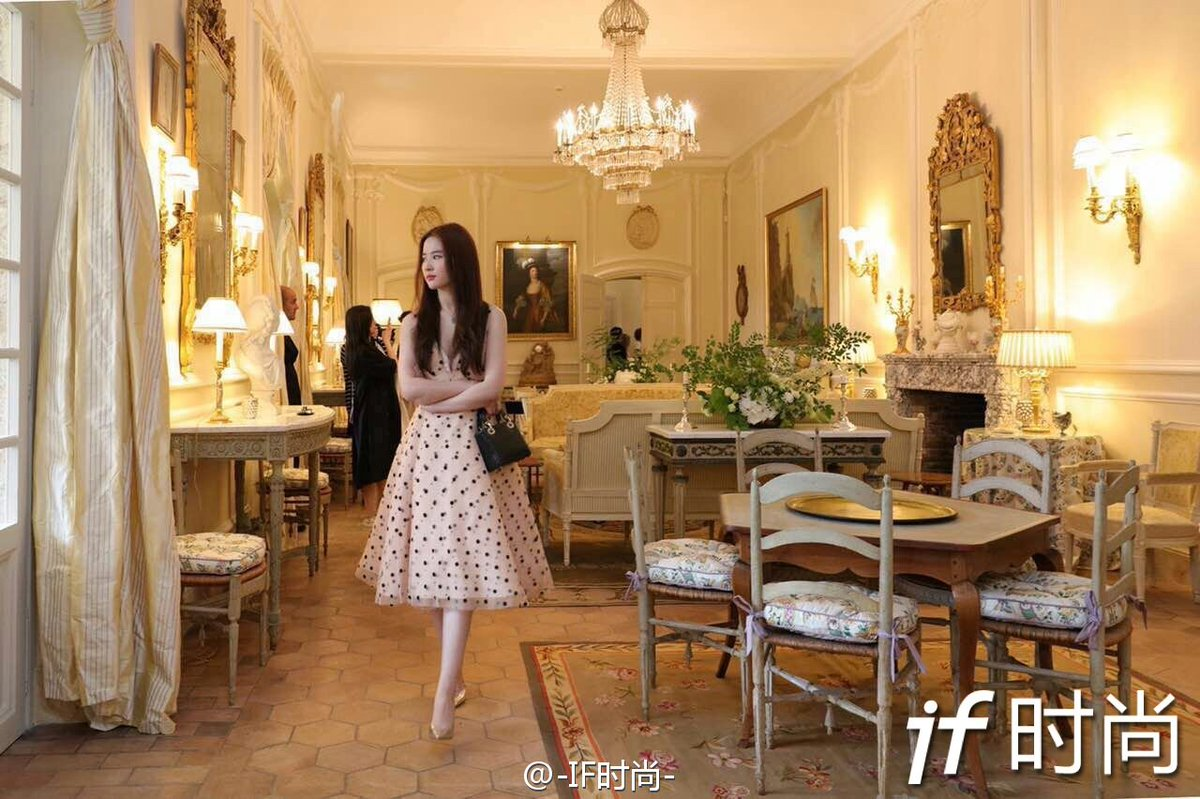 liu yifei taiwan fans on twitter 2016 5 10 ch teau de la colle noire tw time liu yifei at. Black Bedroom Furniture Sets. Home Design Ideas