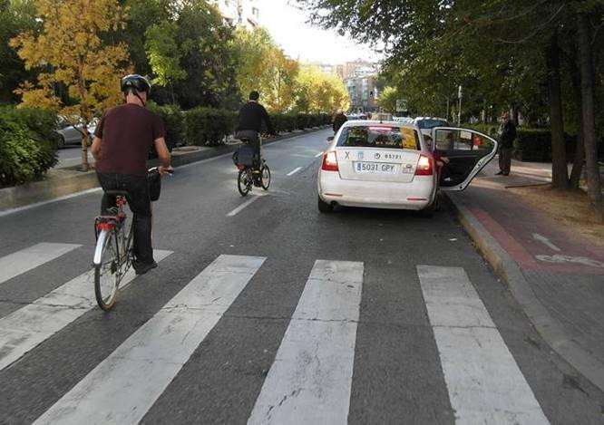 Carril-bici a la altura de Av. Donostiarra