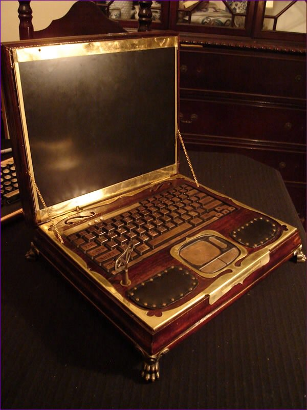 #Steampunk Awesome of the Day: Work of #Art #Laptop Customization by @Datamancer  via @jeffslither #SamaCuriosities