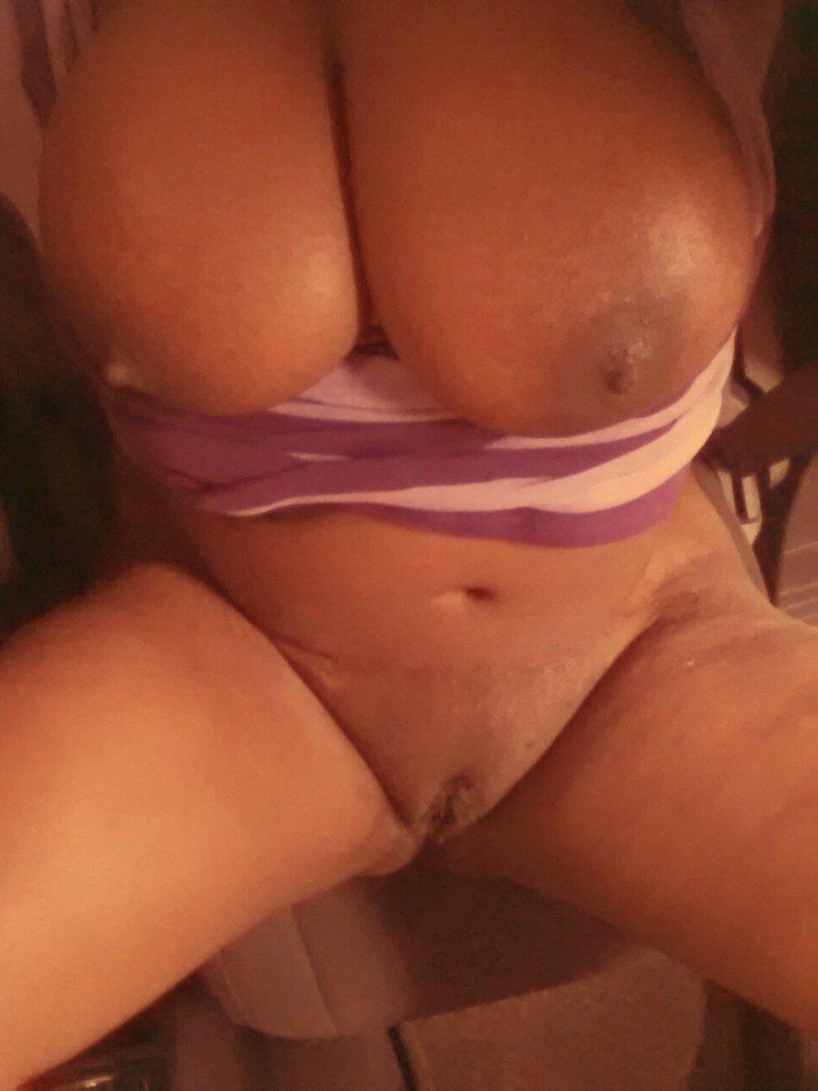 Nude Selfie 5330