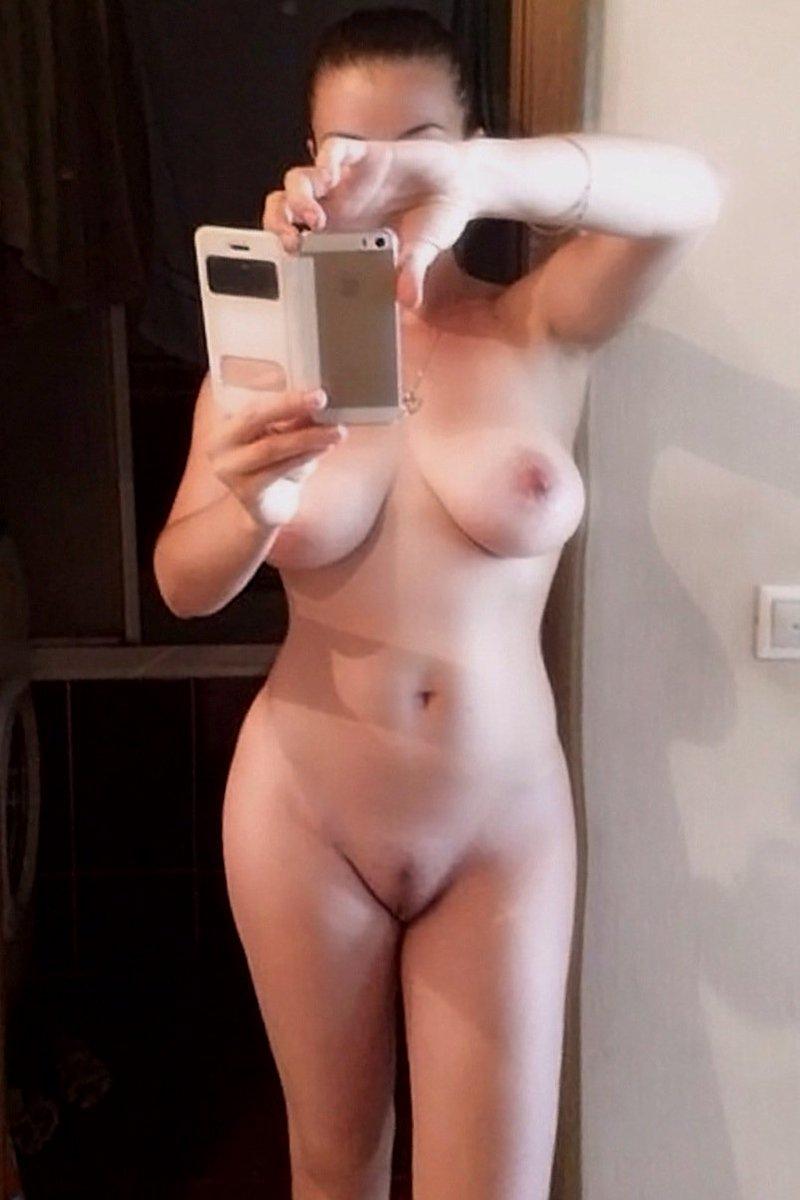 Nude Selfie 5340