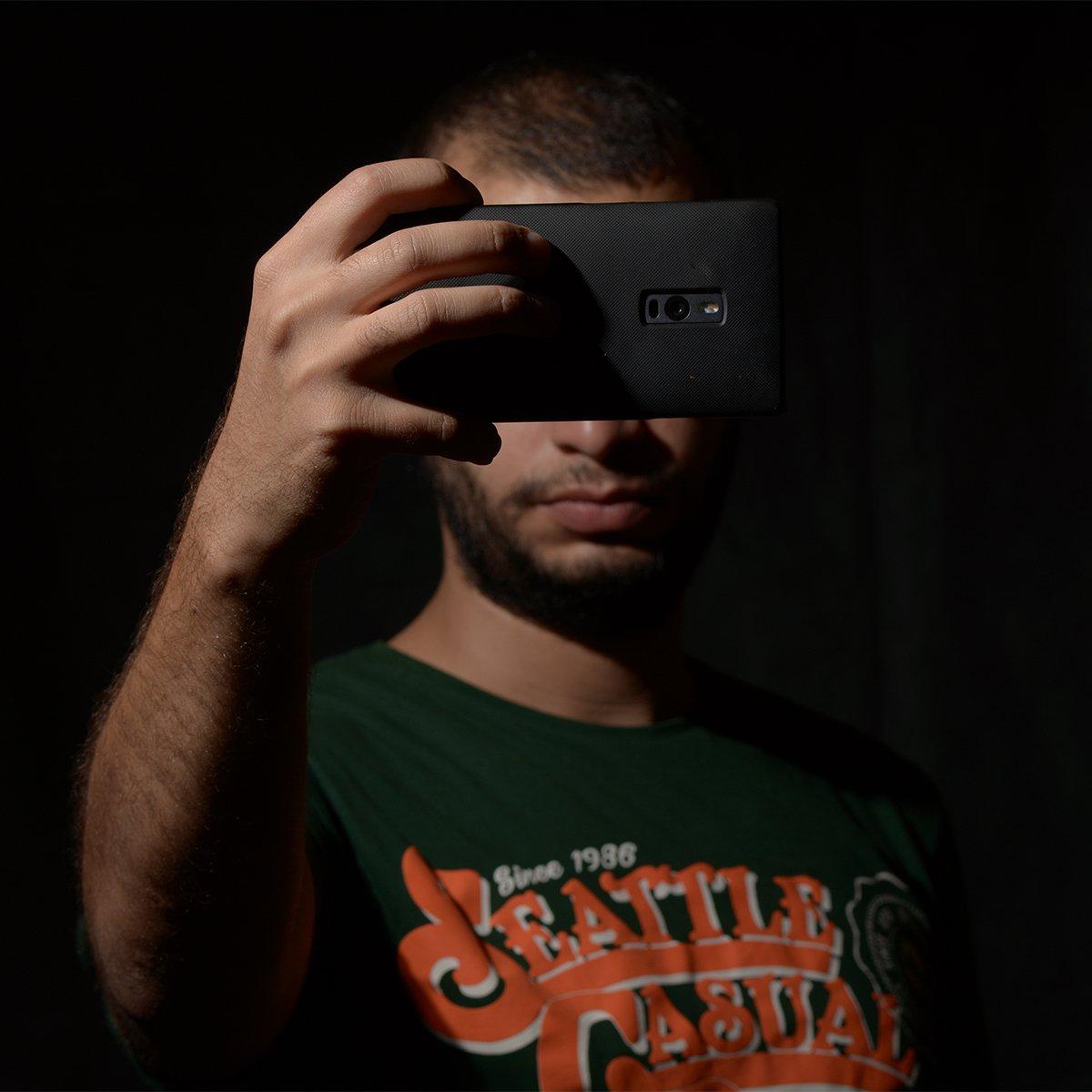 كاميرة التليفون بتهزك؟ #الحرية_لأطفال_الشوارع #الحرية_لأطفال_شوارع https://t.co/thzonQR0yR