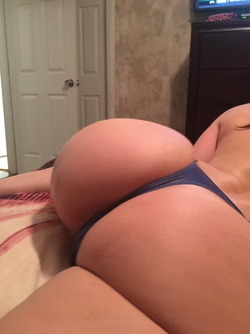 #HumpDayMotivation #AssWednesday #happyhumpday #LustArmy https://t.co/ZO0POeLa3z