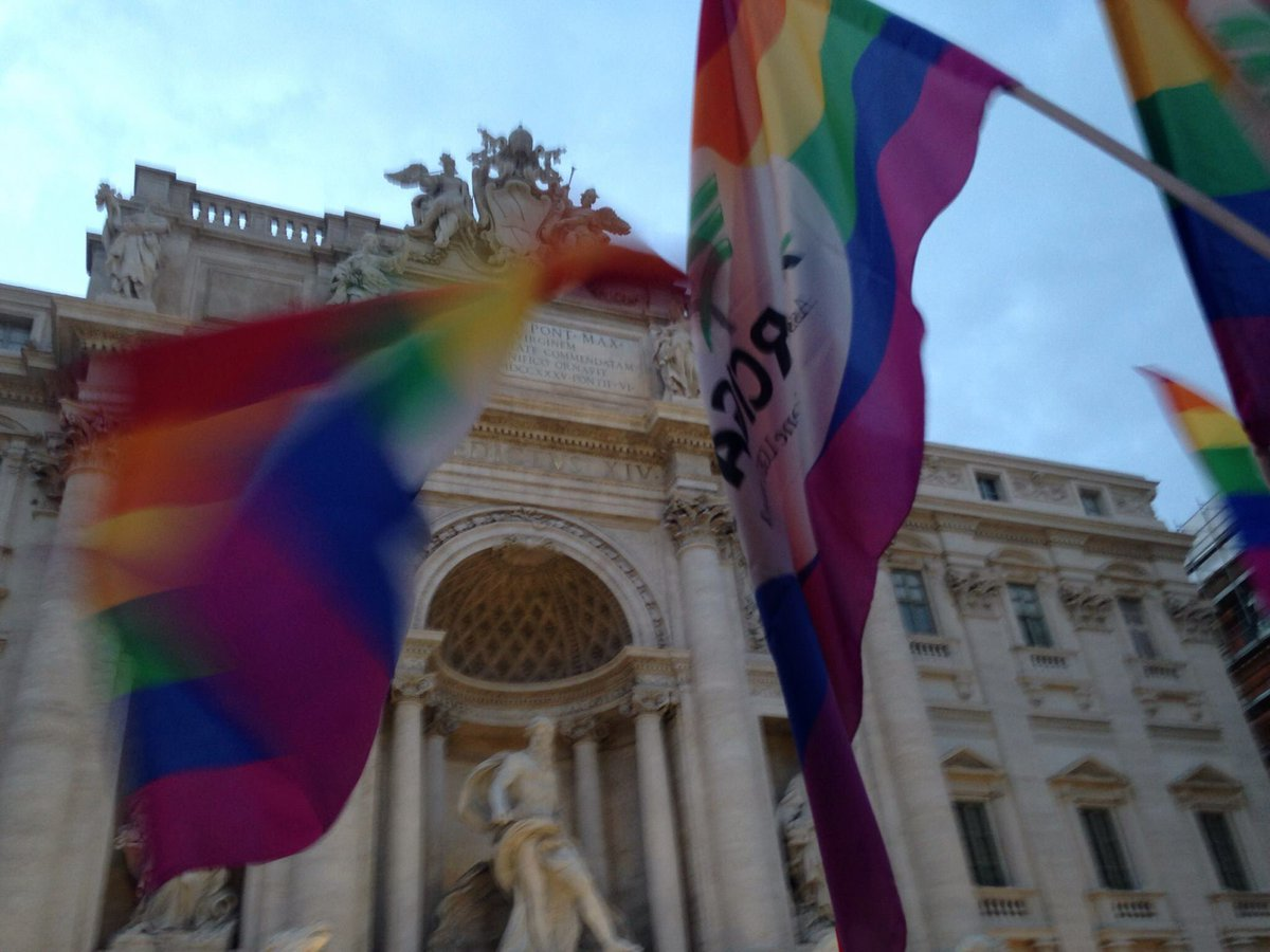 Great celebrations in Rome today, after the approval of the #unionicivili legislation! @FCOflagg #lgbt https://t.co/9olP62FWpI
