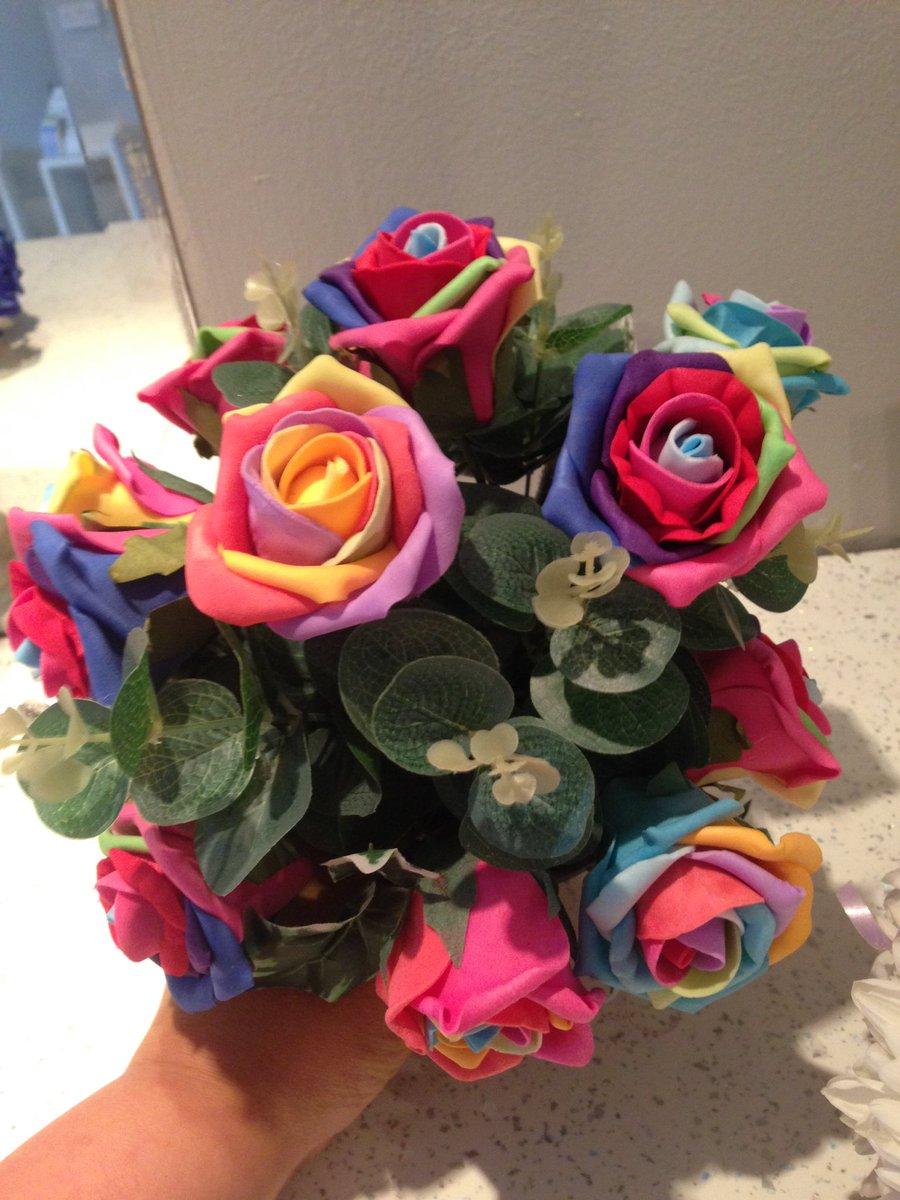 Pretty Petals On Twitter Foam Rainbow Roses In Grave Pots Flowers
